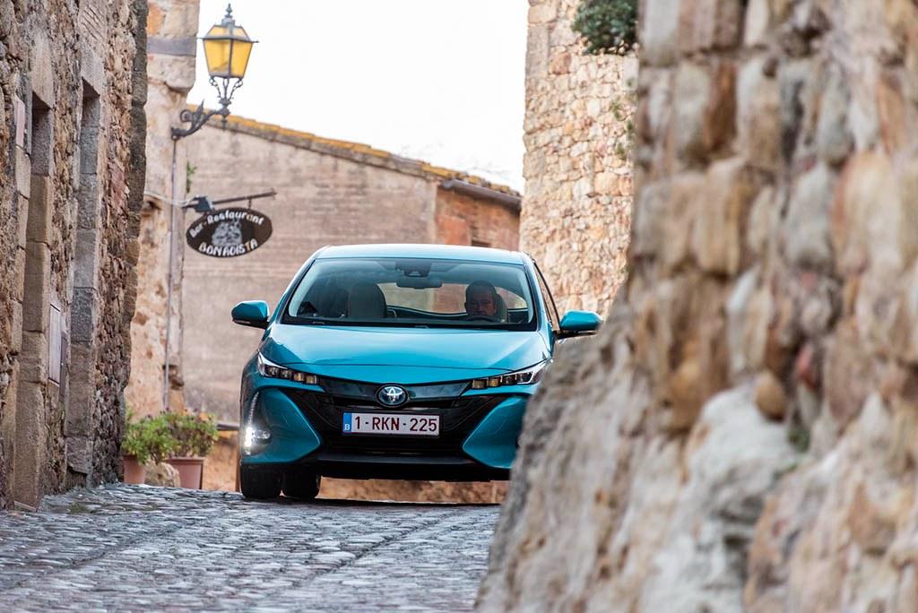 سرمایهگذاری سنگین تویوتا روی توسعه باتری خودروهای الکتریکی