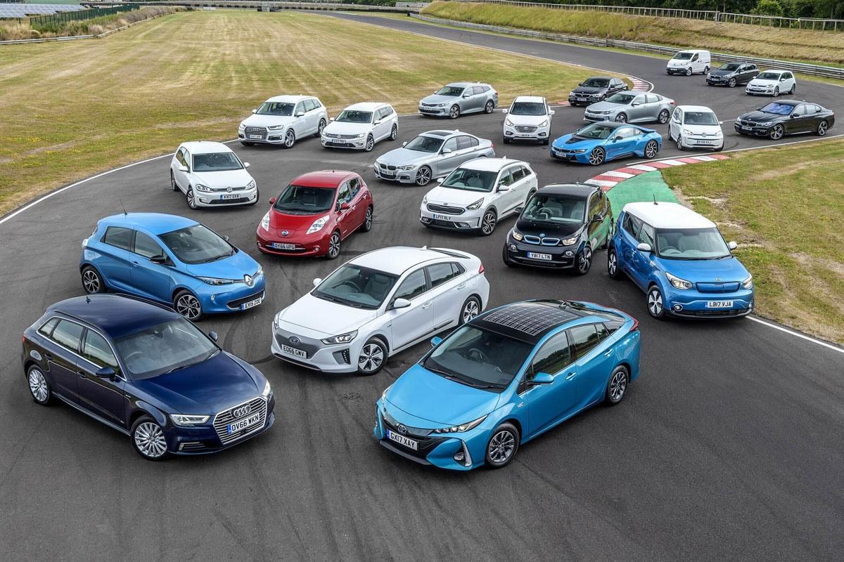 خودروسازها و دولتها مردم را مجبور به خرید خودروهای الکتریکی می کنند