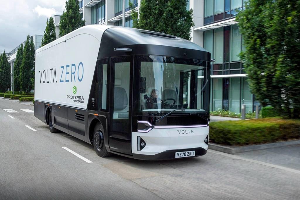 کامیون تمام الکتریکی ولتا زیرو توسط کمپانی اشتایر اتریش تولید می شود